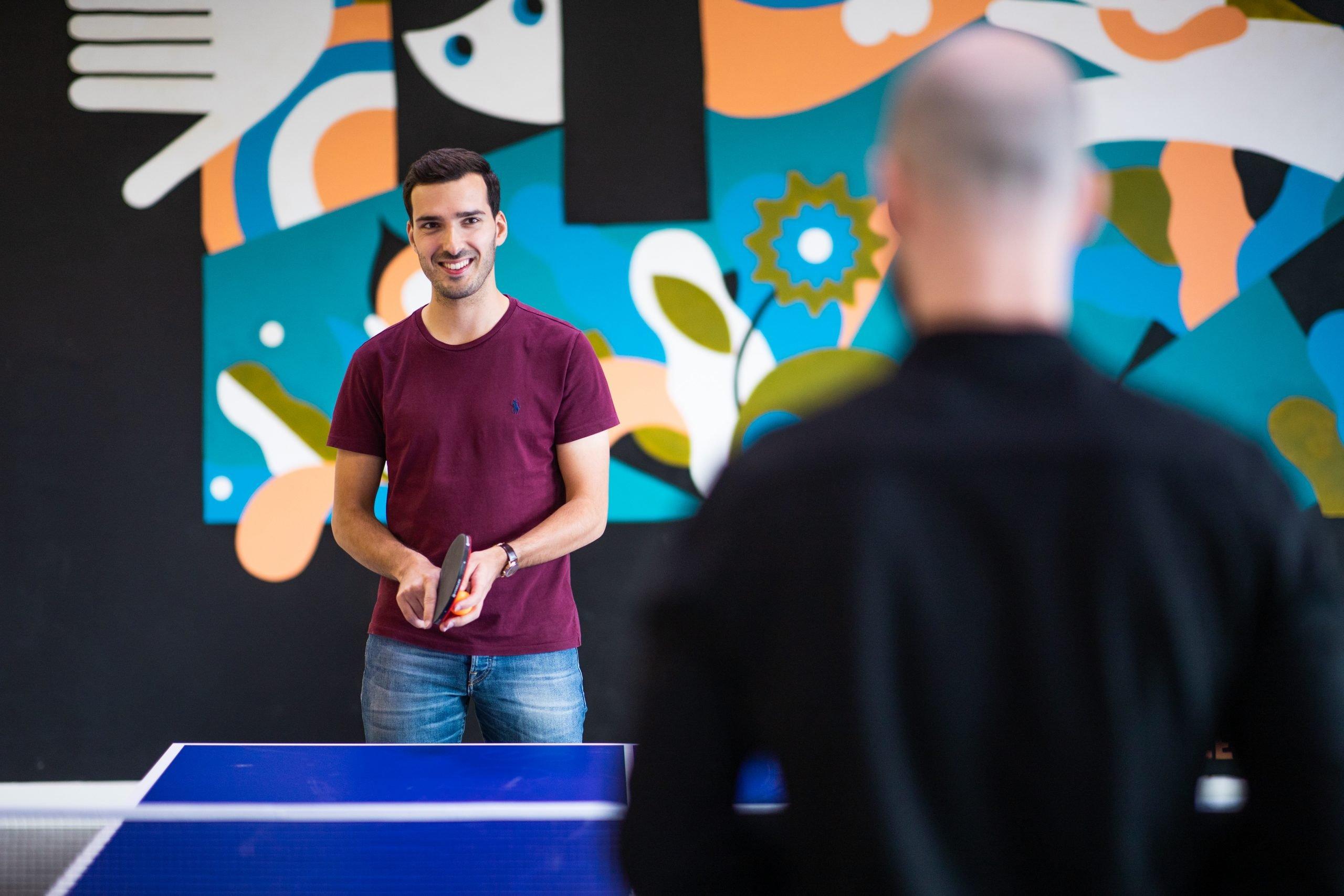 thom en ivo: collega's die pingpongen